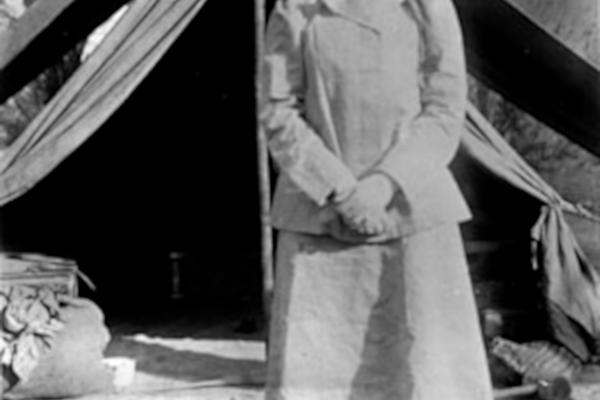 bellk 218 gertrude bell in iraq in 1909 age